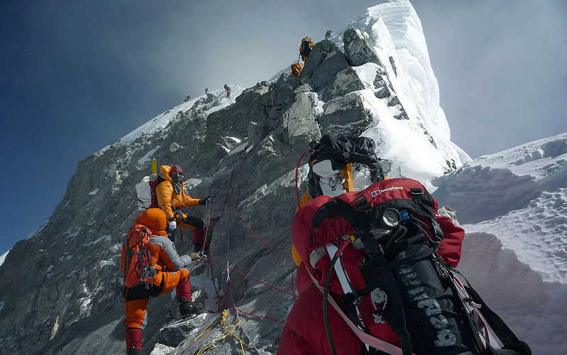 A record number of permits to enter Mount Everest