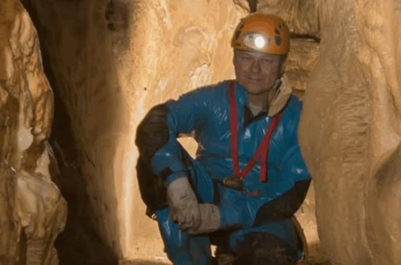 Vlunteer cave rescuer Michal Marek died during dive in Donegal