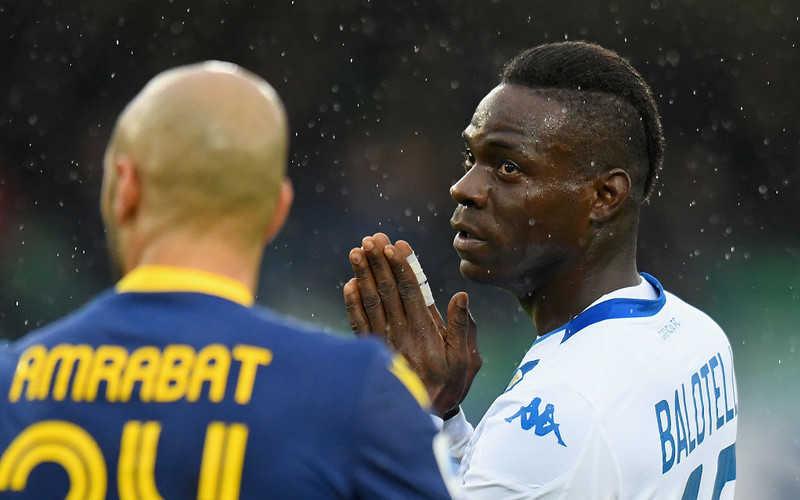 Balotelli chciał zejść z boiska po okrzykach z trybun