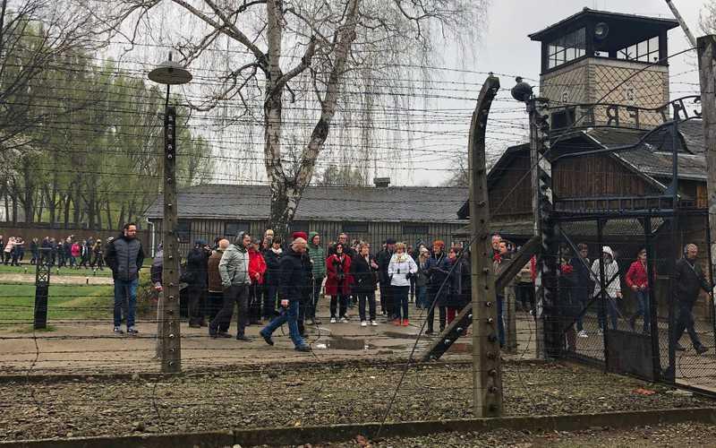 Rodzinne miasteczko Mussoliniego przestaje finansować wizyty w Auschwitz