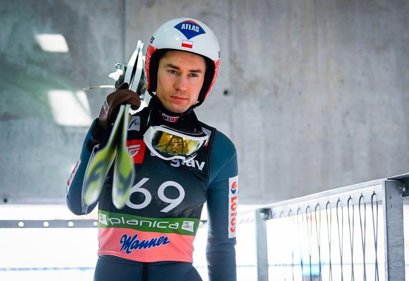 Kamil Stoch wins in Engelberg
