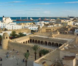 Tunezja: Po zamachu straty w turystyce szacowane na ponad 500 mln dol.