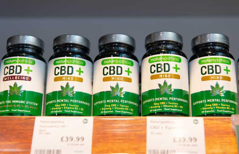 """Koniec produktów z CBD w UK? """"Zawierają substancje psychoaktywne"""""""