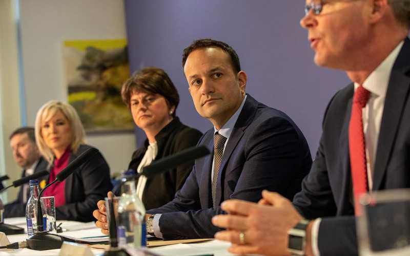 Ireland: Prime Minister Varadkar returns to medical practice to fight the epidemic