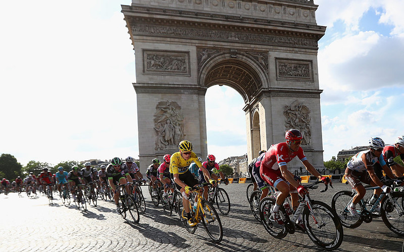 Tour de France on hold after Macron extends outdoor sports ban until July