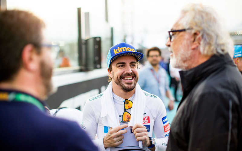 Report: Fernando Alonso Signs 'Pre-Agreement' with Renault F1 Team