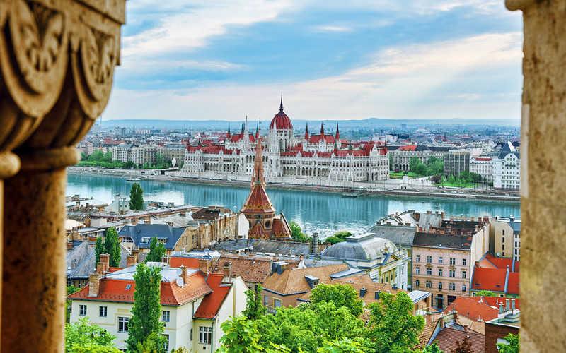 Większość Węgrów za wprowadzeniem euro