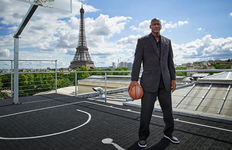 Michael Jordan will allocate $ 100 million to fight racism