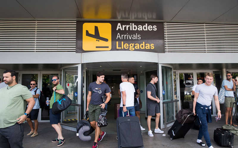 Brytyjczycy nie planują w tym roku zagranicznych wakacji