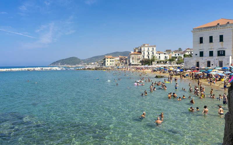 Włochy: Koronawirus się szerzy, a branża turystyczna podnosi się z kryzysu