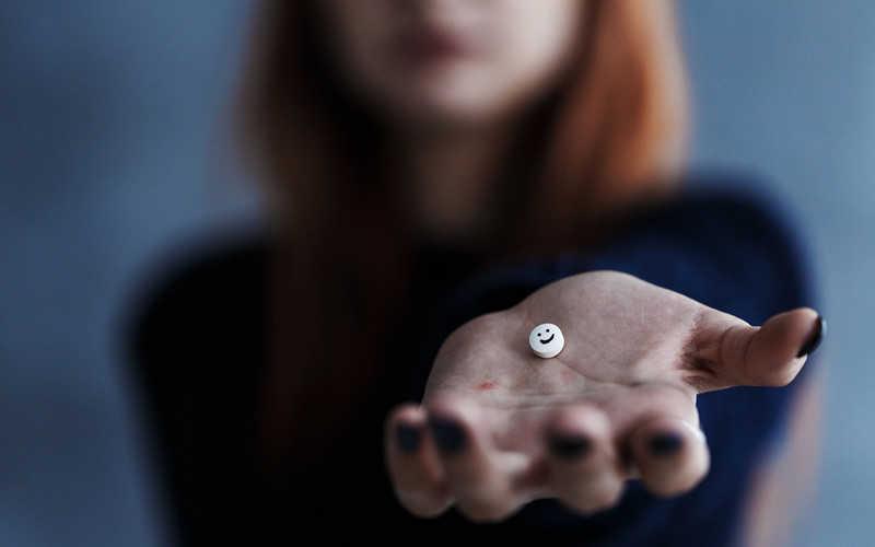USA: Naukowcy zbadają, czy można leczyć depresję za pomocą narkotyków