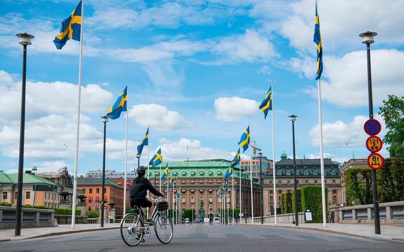 """""""Svenska Dagbladet"""": Wszyscy naśladują Szwecję w walce z koronawirusem"""