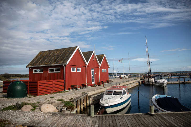 Denmark: The prime minister announced the extension of restrictions to the entire country