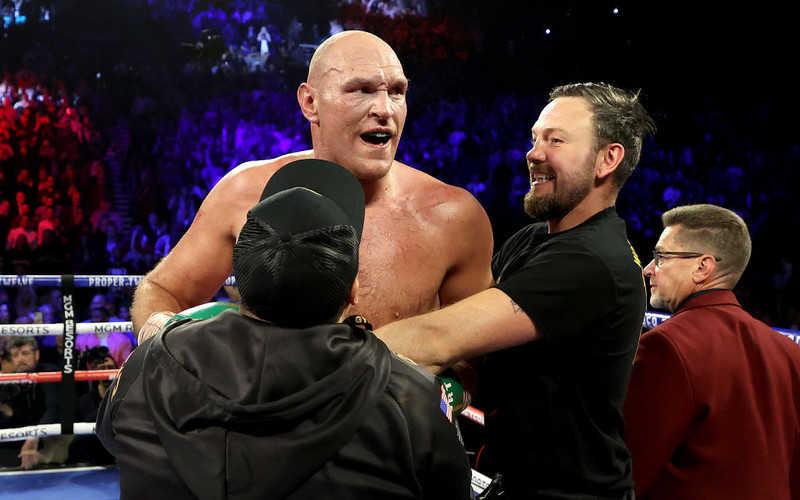 Bokser Tyson Fury chce walczyć w grudniu w Londynie