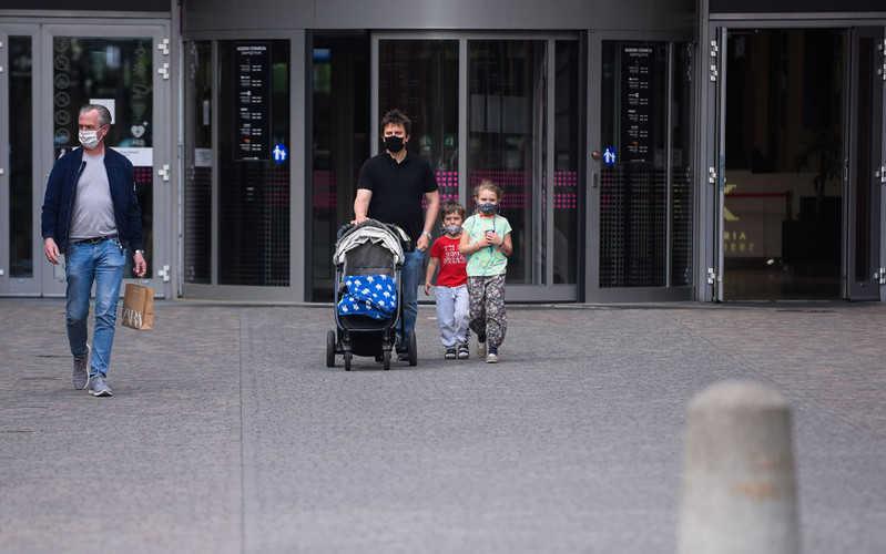 Deloitte: Poles fear a pandemic and impoverishment