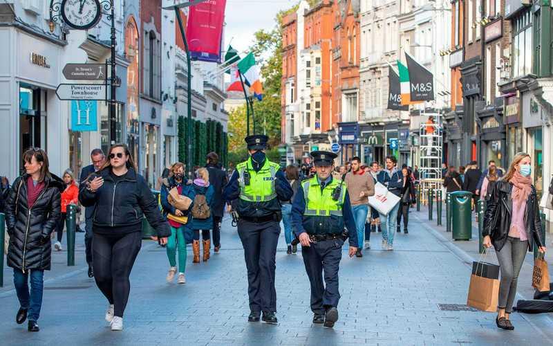 Irlandia: Po raz pierwszy od sierpnia tempo rozszerzania się epidemii spadło