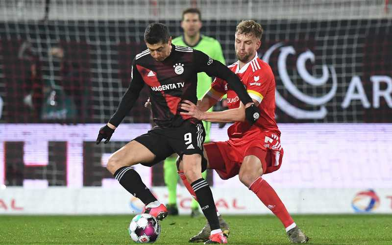 Bayern's Lewandowski salvages 1-1 draw at Union Berlin