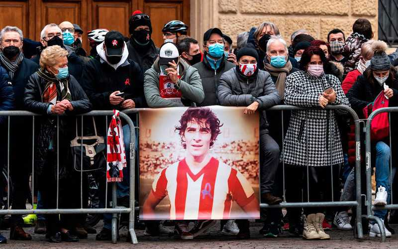 Paolo Rossi: Italy football legend's home burgled during his funeral