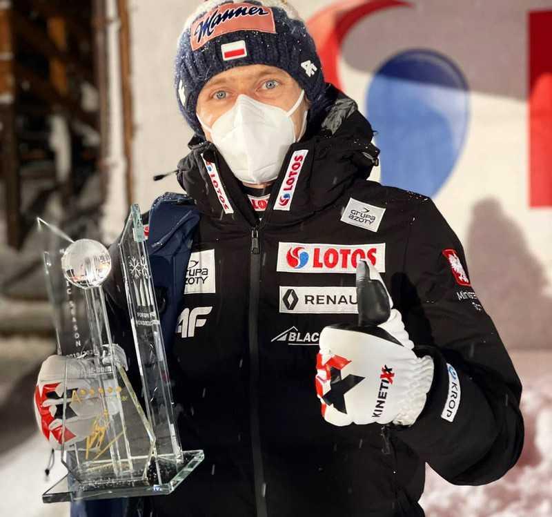 "Forum Nordicum: Kubacki received the 2020 ""King of Ski"" award"