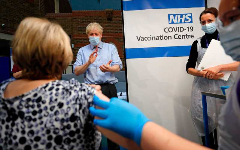 UK: Co stoi za wielkim sukcesem programu szczepień na Covid-19?