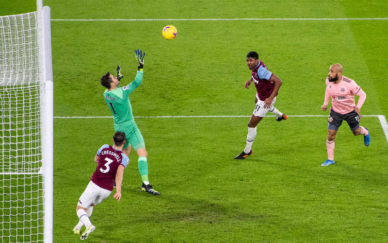 Premier League: Ósme czyste konto Fabiańskiego. Wygrane WHU i Chelsea