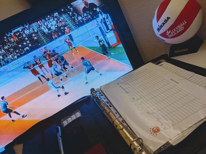 IBB Polonia London uczy siatkówki przez Internet