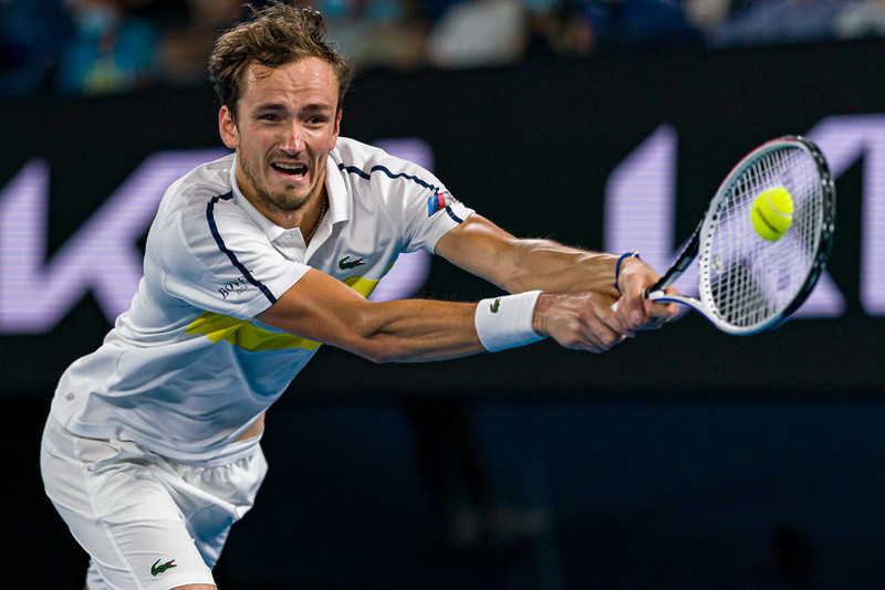 Australian Open: Daniil Medvedev beats Stefanos Tsitsipas & meets Novak Djokovic