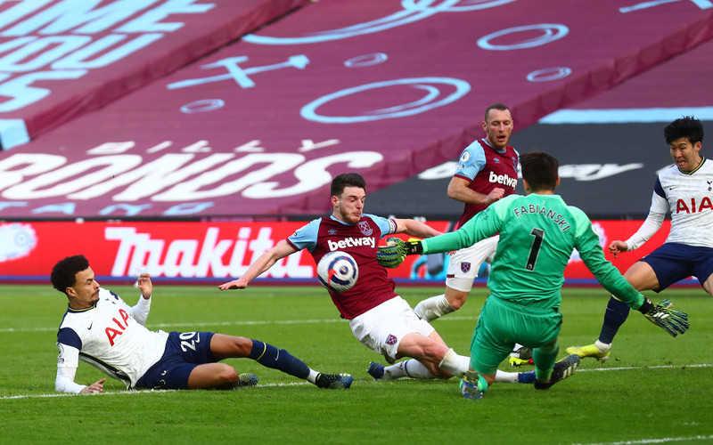 Premier League: Drużyna Fabiańskiego awansowała na czwarte miejsce