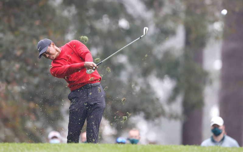 Tiger Woods przeszedł operację nogi, jest przytomny