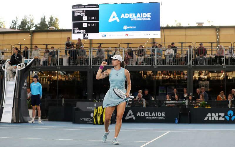 Swiatek sweeps into Adelaide semis