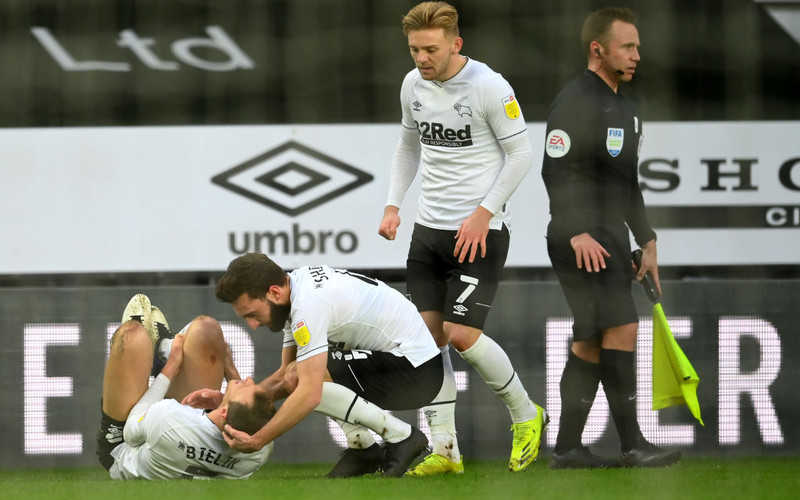 Trener Rooney: Bielik pomyślnie przeszedł operację kolana