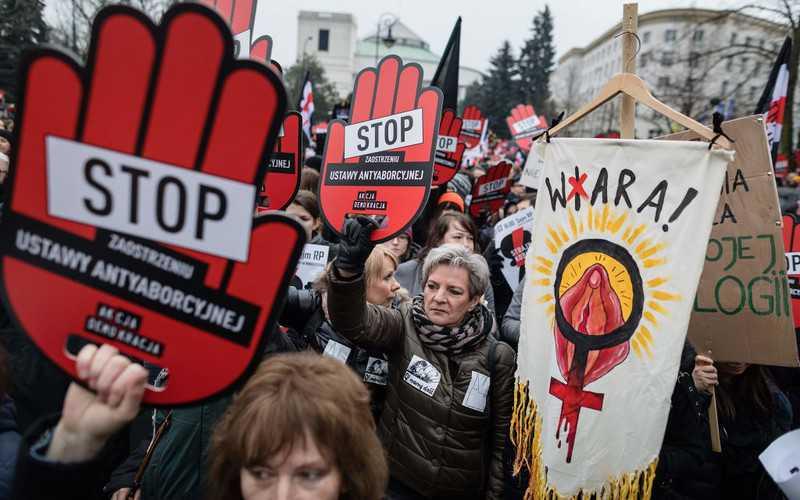 Sondaż IBRiS: 22 proc. Polaków popiera zaostrzone prawo aboracyjne
