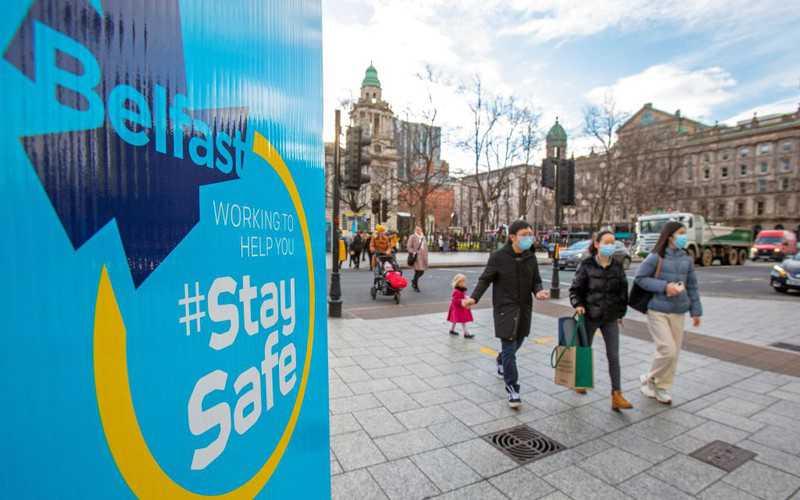 W Irlandii Północnej plan znoszenia restrykcji na razie bez dat