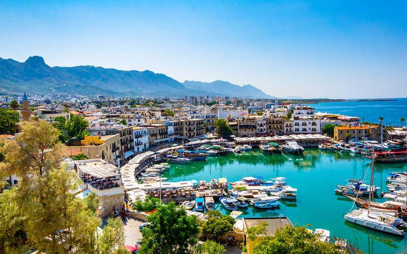 Od maja Cypr otwarty dla zaszczepionych turystów z UK