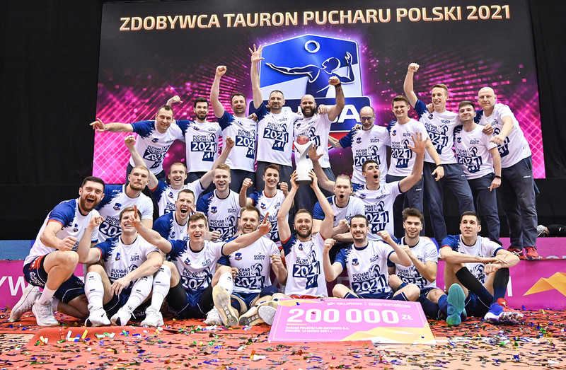 """Liga Mistrzów siatkarzy: Grupa Azoty po """"złotym secie"""" w finale"""