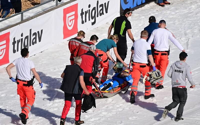 Piotr Żyła 10th in Planica. Tande's fatal fall