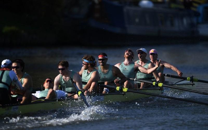 Cambridge beat Oxford in men's and women's 2021 Boat Race