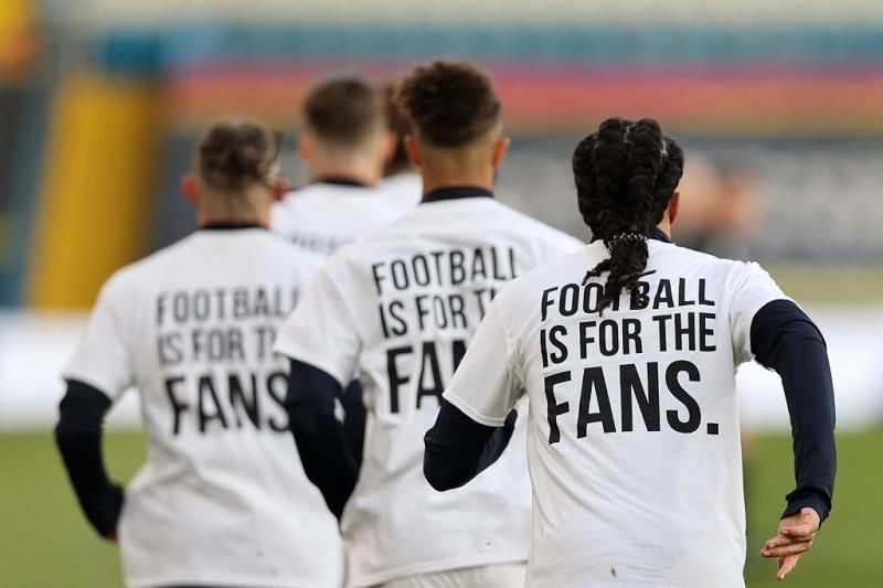 Leeds United mug off Liverpool with European Super League tweet after Premier League draw