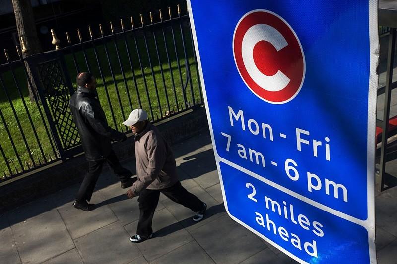 """Khan: Zniosę """"tymczasową opłatę £15"""" za wjazd do centrum Londynu"""