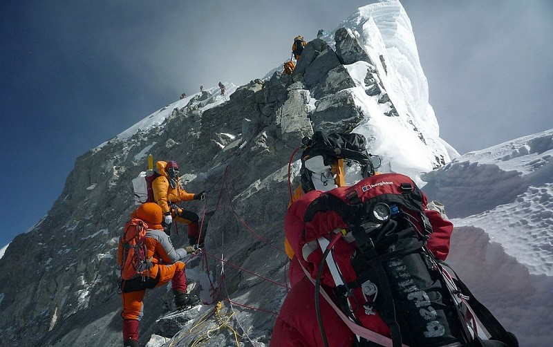Foreigners return to Mount Everest as Nepal battles second COVID-19 wave