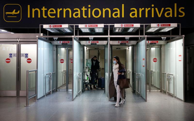 """""""Guardian"""": Obywatele UE przyjeżdżający do UK traktowani """"z wrogością"""""""