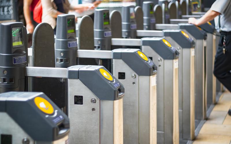 Londyn: Karty Oyster z zabezpieczeniem przed zbyt długimi podróżami