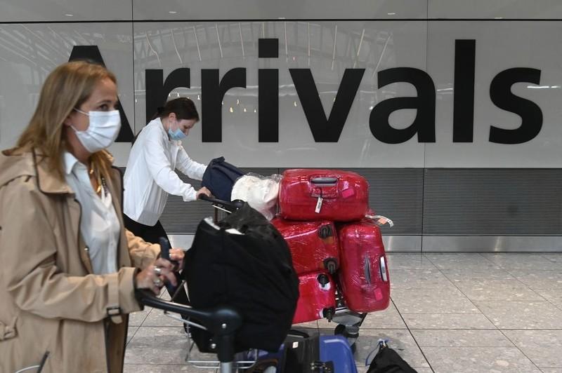 Anglia: Od poniedziałku bez kwarantanny dla zaszczepionych przyjezdnych z UE i USA
