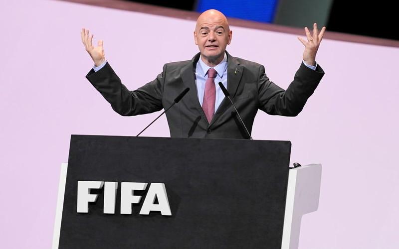El. MŚ 2022: Szef FIFA Infantino apeluje do premiera Johnsona
