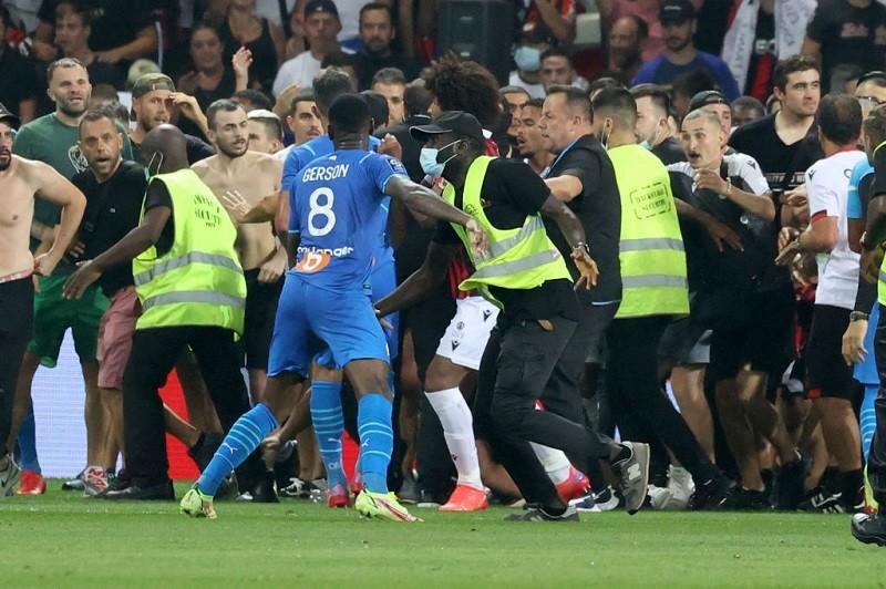 Zakończony skandalem mecz Nice z Olympique Marsylia zostanie powtórzony