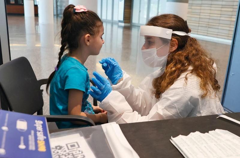 UK: Zdrowe dzieci w wieku 12-15 lat będą szczepione przeciw Covid-19