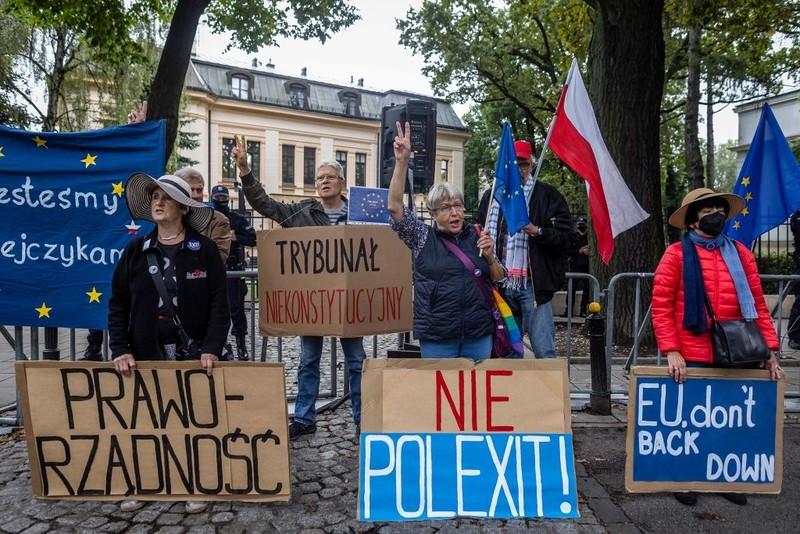 """""""Dziennik Gazeta Prawna"""": Granie Polexitem się nie opłaca"""