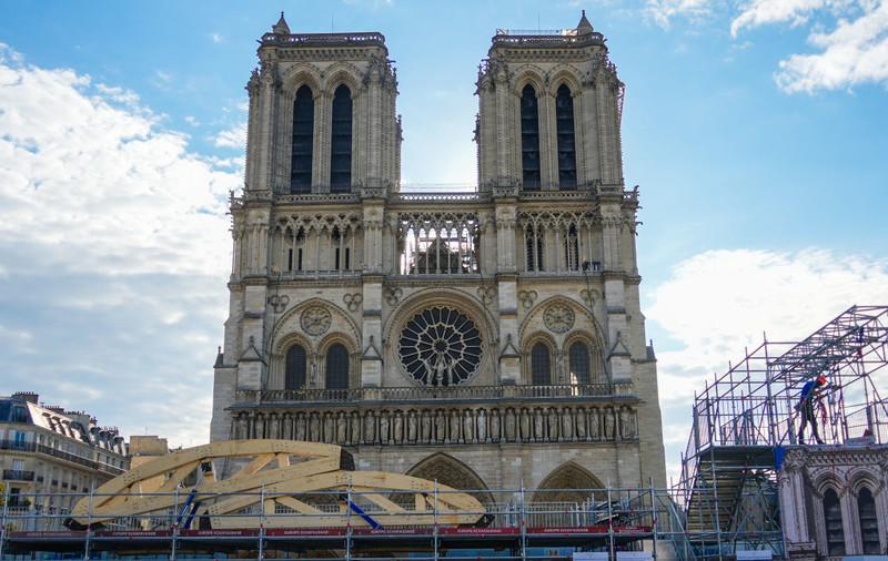 """Katedra Notre Dame w Paryżu już """"całkowicie bezpieczna"""""""