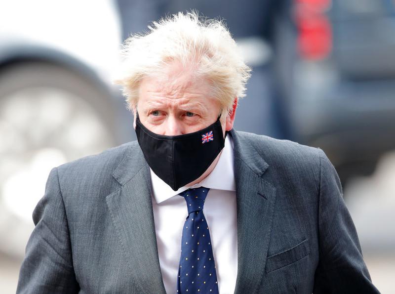 """Boris Johnson deklaruje """"niezachwianą miłość"""" do Francji"""