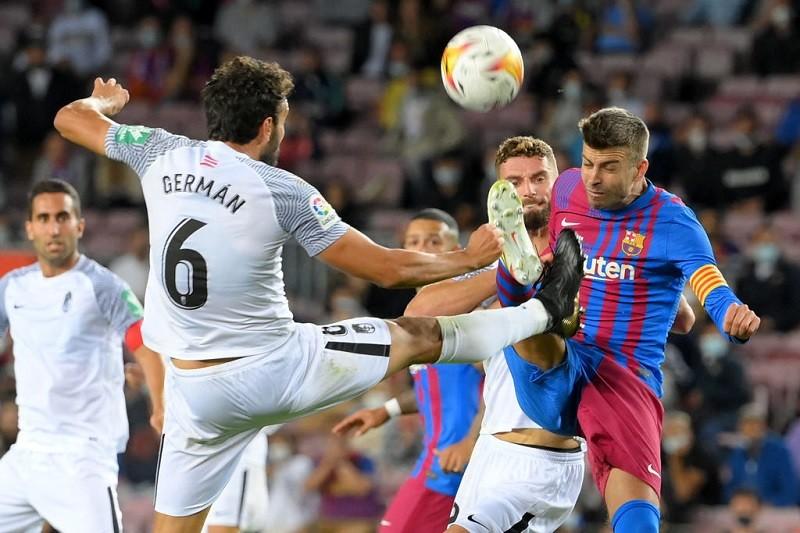 Barcelona gubi kolejne punkty. Wymęczony remis z Granadą